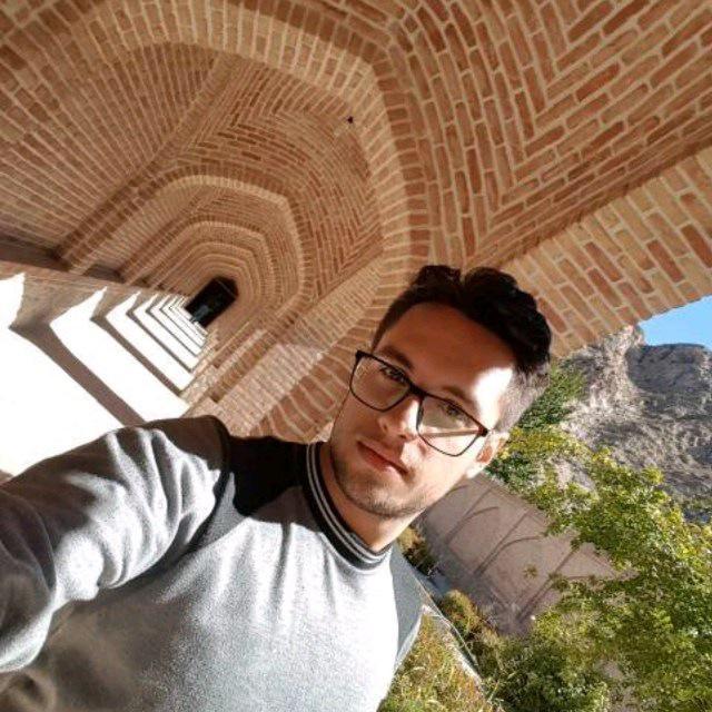 پوریا حسینی