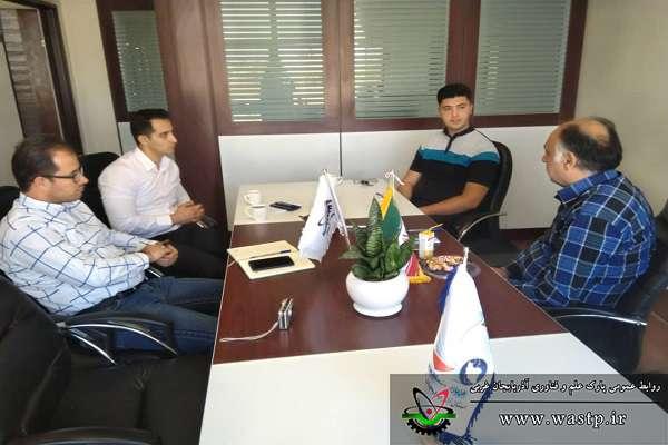 برگزاری جلسه احصاء نیازمندی های شرکت آوا رسان همراه ورنا در پارک علم و فناوری آذربایجان غربی