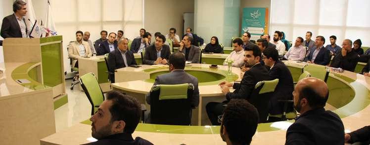 دکتر ملکیفر در اختتامیه رویداد «کافه سرمایه»: صندوق نوآوری از طریق شتابدهندهها از استارت آپها حمایت میکند