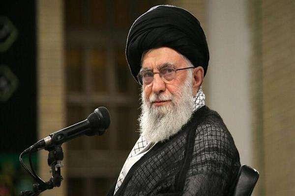 رهبر معظم انقلاب اسلامی در دیدار نخبگان جوان و استعدادهای برتر علمی: ایرانی بیندیشیم و ایرانی زندگی کنیم