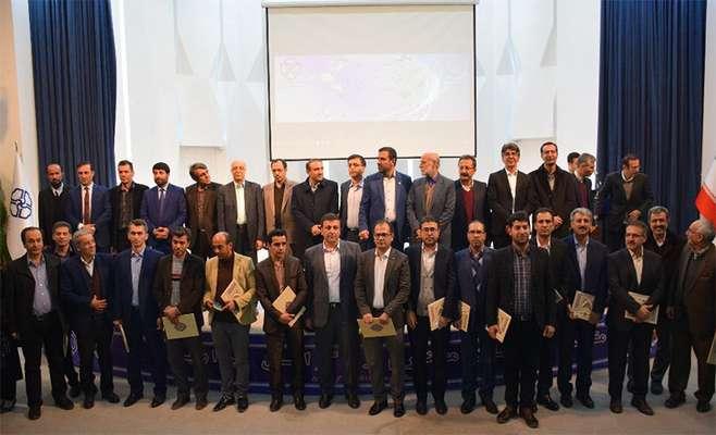 در جشنواره تجلیل از پژوهشگران و فناوران برتر استان از ۸ فناور برتر پارک علم و فناوری کردستان تقدیر شد