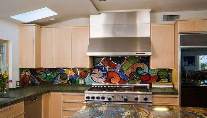 مدل های متنوع کاشی آشپزخانه بین کابینت مدرن