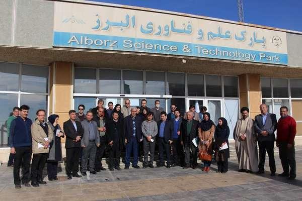 بازدید دکتر وطن پور مدیرکل توسعه فناوری سلامت وزارت بهداشت ،درمان ، آموزش پزشکی  از پارک علم و فناوری البرز