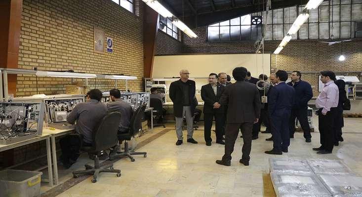 بازدید مدیران ارشد بانک صادرات از خط تولید کیوسکهای بانکی شرکت فرادیس البرز