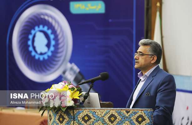 رئیس پارک علم و فناوری استان عنوان کرد: انعقاد ۱۷ تفاهمنامه میان دستگاههای اجرایی خوزستان در نمایشگاه پژوهش