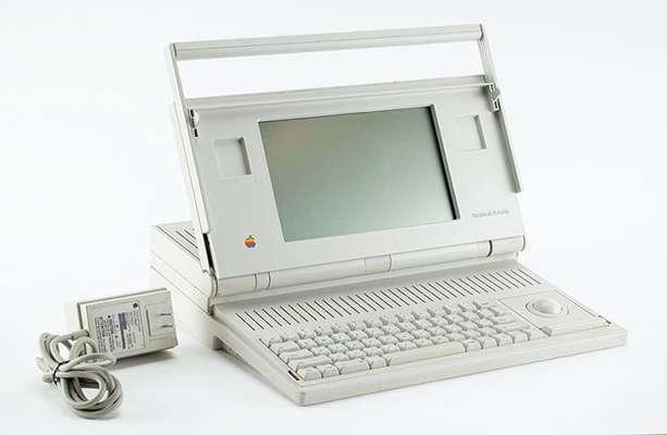 طراح سابق اپل یادگاری هایش از استیو جابز را به حراج می گذارد