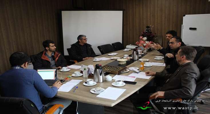جلسه بررسی پتانسیل های پارک علم و فناوری برای مقابله با ویروس کرونا برگزار شد