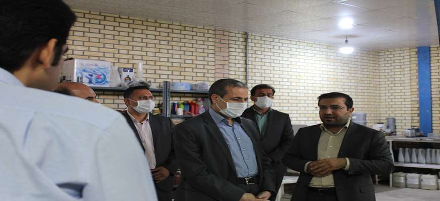 بازدید استاندار بوشهر از کارگاه تولید ژل و محلول ضدعفونی شرکت دانش بنیان نانومواد مواد کربنی ویرا