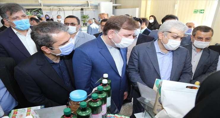 گزارش تصویری از بازدید معاون رئیسجمهوری از نمایشگاه محصولات دانش بنیان شرکت های فناور