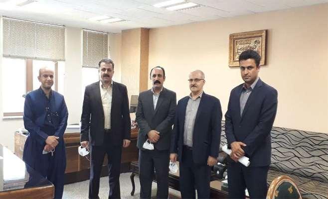 در دیدار مسئول اداره ارتباط با جامعه پارک علم و فناوری کردستان با معاون امور شعب بانک ملی استان کردستان عنوان شد؛ جوانان نخبه در پارک علم و فناوری آمادگی حل مشکلات مرتبط با فناوری این بانک را دارند.