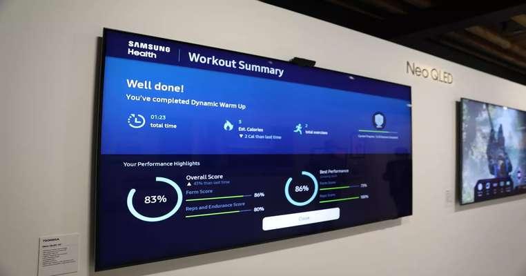 تلویزیون های جدید سامسونگ با یک دوربین می توانند تکرار و شکل تمرینات ورزشی شما را ردیابی کنند.