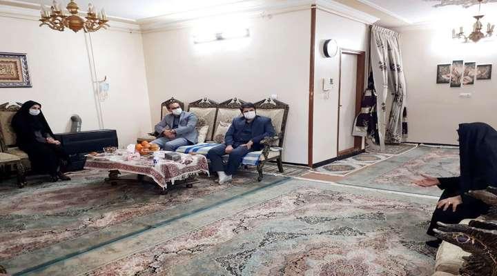 بازدید مدیران پارک علم و فناوری گلستان از دو مادر شهید ۸ سال دفاع مقدس