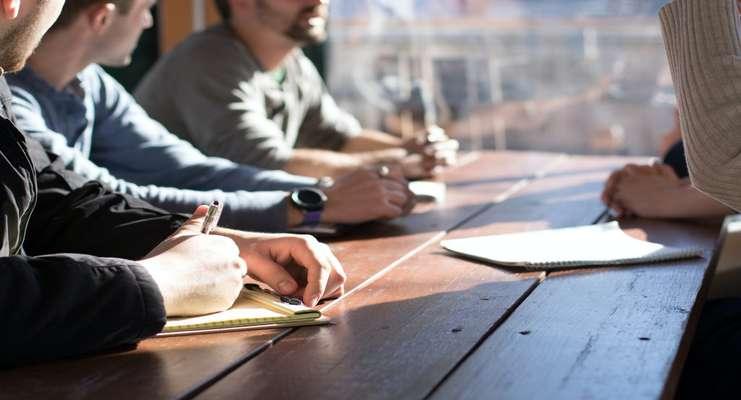 نگاهی کلی به فعالیتهای مشاور توسعه کسب و کار در شرکتها