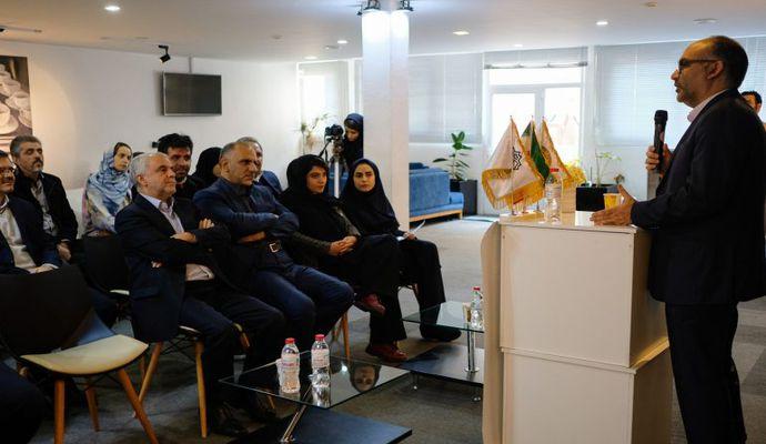 گزارش تصویری آئین افتتاحیه زیست بوم سی سو تِک، شتابدهنده تخصصی گردشگری و سامانه Allamehtech.com
