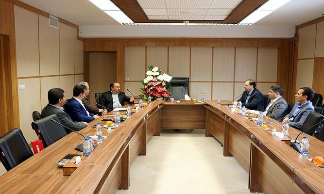 بازدید مدیر شعب بانک تجارت استان مرکزی از مجموعه پارک علم و فناوری