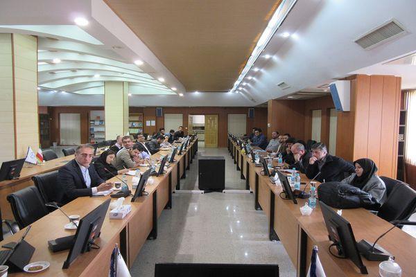 در راستای تحول در امور شرکت ها و واحدهای فناور؛ نشست پارک علم و فناوری البرز با واحدهای مستقر در مرکز رشد برگزار شد