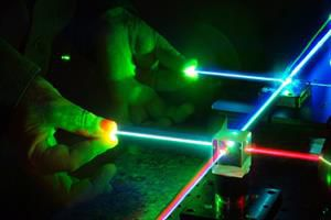۶۰ طرح فناورانه حوزه لیزر و فوتونیک حمایت میشود