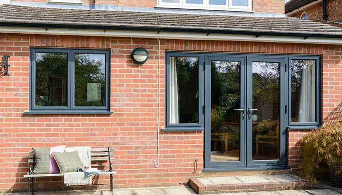 تفاوت پنجره آلومینیومی و پنجره upvc در چیست؟