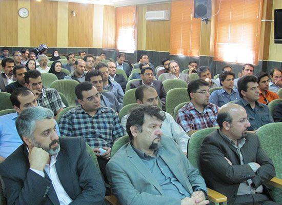 همایش تبیین اهداف توافق نامه سه جانبه برگزار گردید.