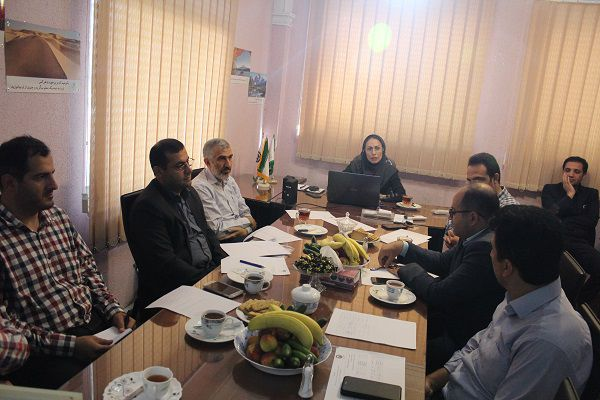 جلسه شورای جذب و پذیرش مرکز رشد با بررسی ایده محوری وبسایت و اپلیکیشن جامع حقوقی برگزار شد