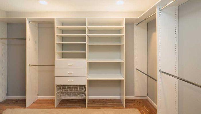 چگونه طراحی قفسه بندی کمد دیواری را کاربردی تر کنیم؟