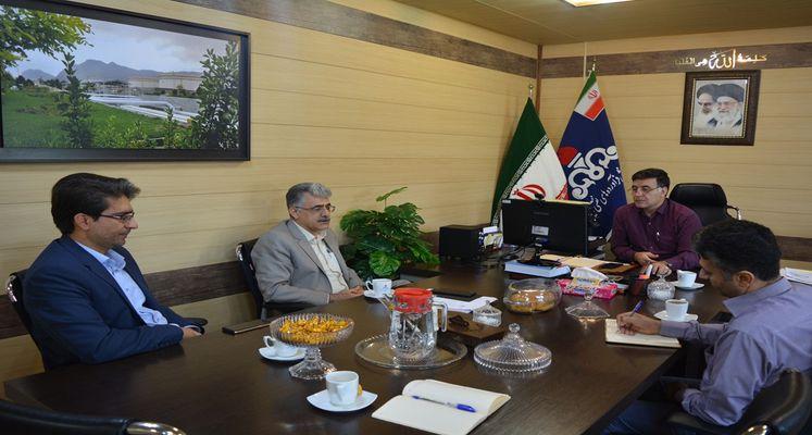 سرپرست پارک علم و فناوری در نشست با مدیرعامل شرکت ملی پخش فرآورده های نفتی خوزستان: رسالت پارک ارتقای بازار کسب و کار مبتنی بر دانش و آگاهی است