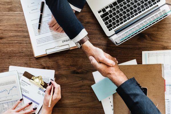 چرا کسب و کار ها باید به جمع پذیرندگان پلتفرم امن هویت دیجیتال یوآیدی بپیوندند؟