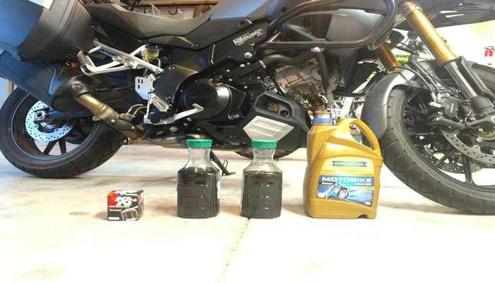 تعویض روغن موتور سیکلت در محل