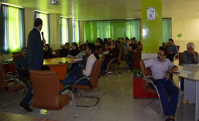 """کارگاه """"تجاریسازی موفق در ایران"""" در پارک علم و فناوری کردستان برگزار شد"""