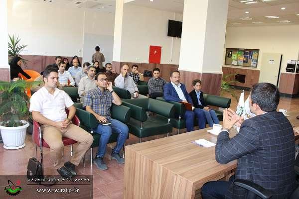 برگزاری جلسه معاونت اشتغال و کارآفرینی کمیته امداد امام خمینی(ره)با مدیران شرکت های مستقر در پارک علم و فناوری آذربایجان غربی