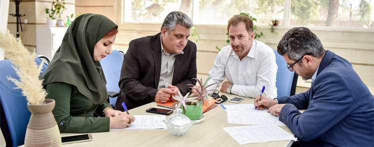با حمایت صندوق نوآوری و شکوفایی صورت گرفت؛  انعقاد دو تفاهمنامه به ارزش ۲۲۰ میلیارد ریال در حاشیه دومین روز گردهمایی فناورانه صنایع و شرکتهای دانش بنیان حوزه پهپادی