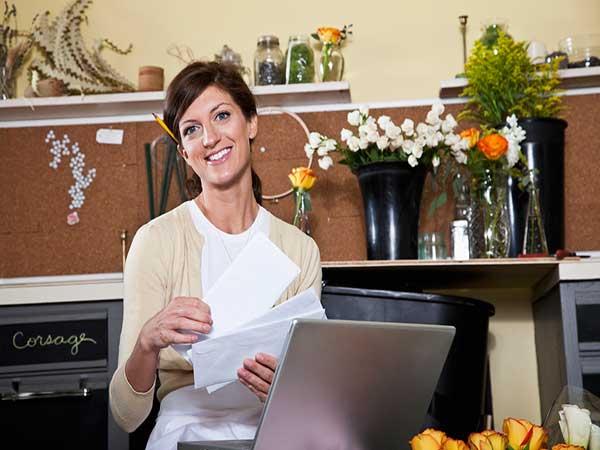 زنان صاحب کسبوکار چگونه میتوانند موفق به کسب امتیاز قراردادهای دولتی شوند؟
